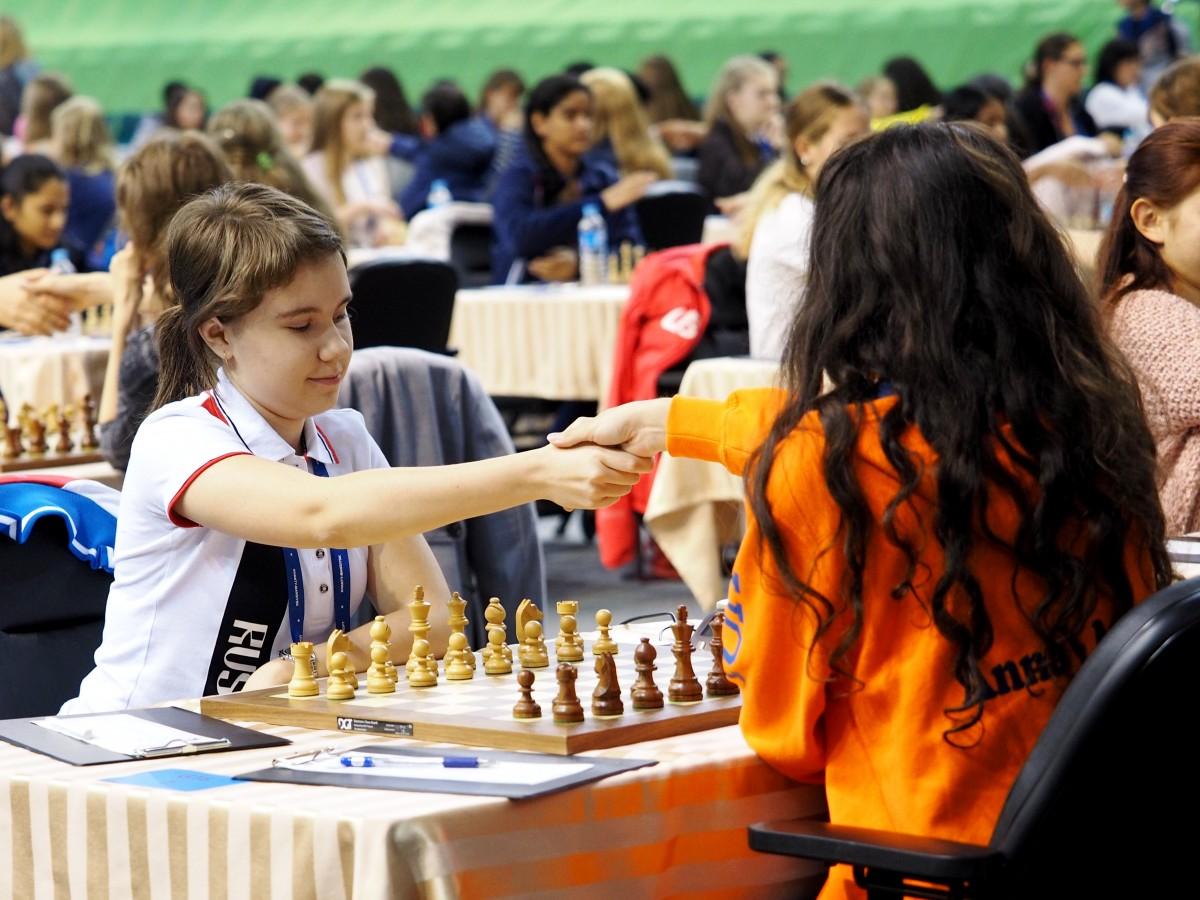 Kochukova Anna (RUS) and Kazarian Anna-Maja (NED)