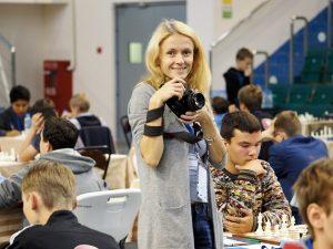 Photographer Anastasia Popova at work